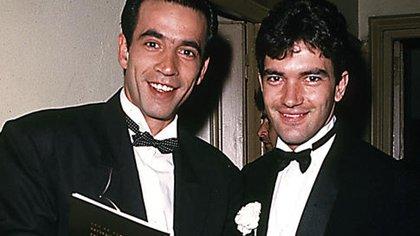 Imanol Arias (junto a Antonio Banderas en la foto) fue el actor elegido en una búsqueda de abrir el mercado español, algo improbable en aquel entonces