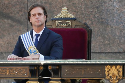 Luis Lacalle Pou expresó su apoyo al gobierno interino de Juan Guaidó (REUTERS/Mariana Greif)