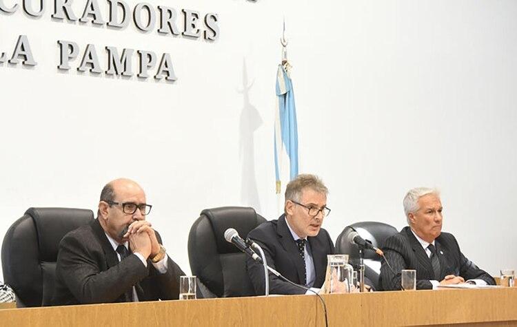 """El tribunal oral que condenó al ex juez y ordenó su detención (Foto """"El Diario de La Pampa"""")"""