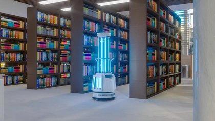Ubtech presentó sus robots desinfectantes de cuartos