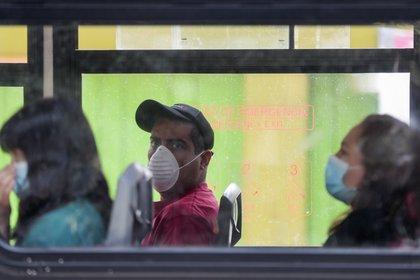 Las autoridades han extendido la Jornada Nacional de Sana Distancia hasta el 30 de abril (Foto: AP Photo / Eduardo Verdugo)