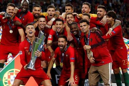 El seleccionado lusitano buscará repetir la gloria con Cristiano Ronaldo. Foto: Reuters/Carl Recine/File Photo