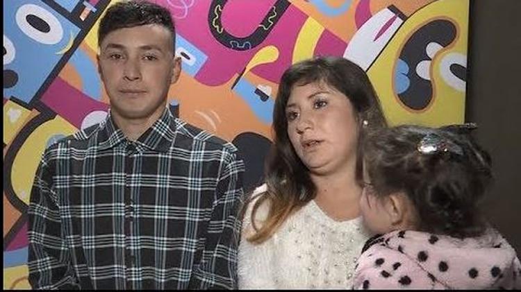 Mamá de Selena, de un año y ocho meses, hace tres años que está en pareja con Silvio Fabián Miño, que es albañil pero está sin trabajo (captura)