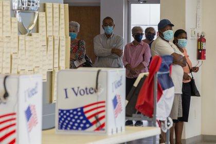 Algunos estados todavía no han iniciado la votación. Otros, solo la han habilitado por correo (Reuters)