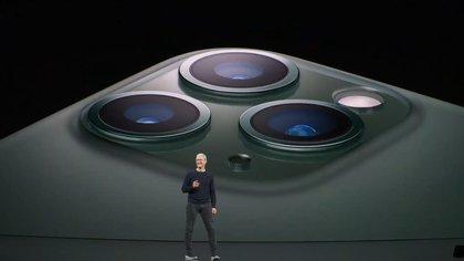 Apple reconoció que la llegada de su nuevo smartphone, iPhone 12, se retrasará varias semanas y no se pondrá a la venta en septiembre como ha ocurrido en años anteriores con los modelos precedentes (Apple)