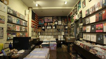 Esta tienda contiene los ejemplares más exclusivos en álbumes de soul y R&B descatalogados, singles de house y hip-hop (Co-op 87 Records &Tapes)
