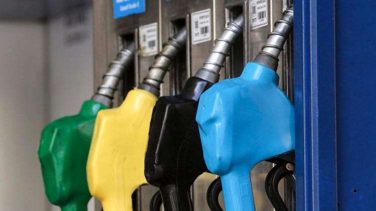 Los combustibles mantendrán sus precios congelados hasta noviembre