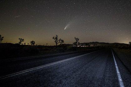 El cometa NEOWISE desde Joshua Tree, California (AFP)