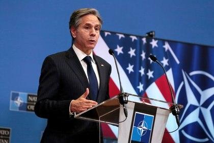 El secretario de Estado de Estados Unidos, Antony Blinken, habla durante una conferencia de prensa después de reunirse con los ministros de Relaciones Exteriores de la OTAN en el cuartel general de la OTAN en Bruselas, Bélgica. 24 de marzo, 2021. Virginia Mayo/Pool via REUTERS