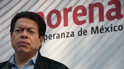 Delgado criticó a aquellos que no aceptan los resultados internos y entregó una certificación a Loera como precandidato morenista (Foto: Cuartoscuro)