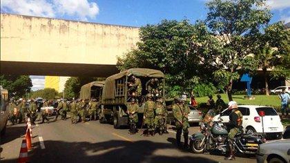 El Ejército respalda las medidas adoptadas por Jair Bolsonaro contra el coronavirus