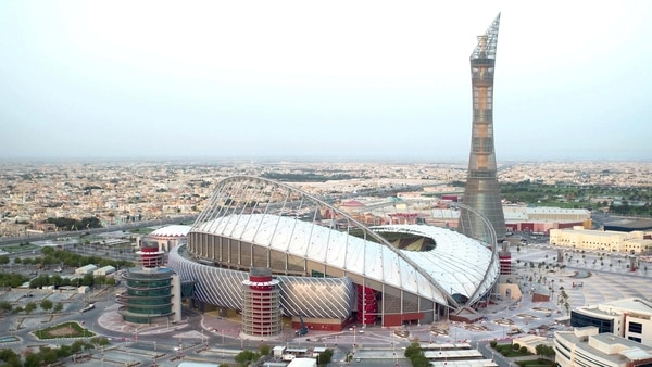 El Khalifa es el primer estadio construido (Reuters)