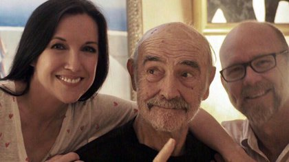 Sean Connery con su hijo Jason y su esposa, Fiona Ufton (Foto: Twitter)
