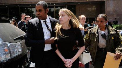 """El 23 de mayo de 2016, Amber Heard presentó una demanda de divorcio en un juzgado de Los Ángeles, alegando """"diferencias irreconciliables"""" entre ella y su célebre marido. Llevaban 15 meses casados (AP)"""