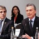 Macri y Caputo en una reunión del G20