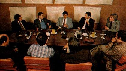 Lectoure, rodeado de periodistas en una entrevista (Foto: Archivo Maximiliano Roldán)