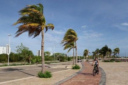 La tormenta tropical Zeta se convirtió en huracán categoría 1 en la escala Saffir-Simpson (Foto: Reuters/Jorge Delgado)