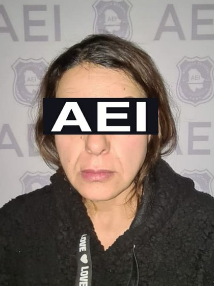 """El Chapo Monárrez"" and / or ""El 302"" was captured in the company of a woman identified as María de Lourdes P. P (Photo: FGE Chihuahua)"