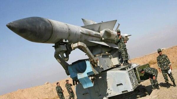 Los nuevos misiles reemplazarán a los ya obsolestos S-200 sirios (AFP)
