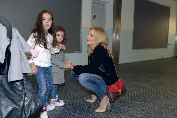 Eliana junto a sus hijas. Foto: Archivo GENTE