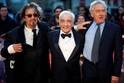 """Martin Scorsese con Al Pacino y Robert De Niro, protagonistas de """"El irlandés"""", la película que hizo para Netflix (Reuters)"""