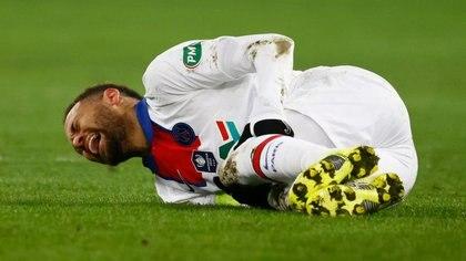 Nuevamente, una lesión deja a Neymar fuera de partidos importantes para el PSG (Foto: REUTERS)