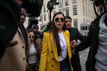 """Photo de fichier.  L'épouse du baron de la drogue mexicain """"El Chapo"""" quitte la Cour fédérale de Brooklyn lors d'un procès à Brooklyn, New York, États-Unis.  11 février 2019. REUTERS / Brendan McDermid"""
