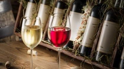 Rolland degusta alrededor de 40.000 vinos al año, un verdadero conocedor del vino (Getty)