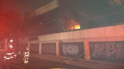 Se incendia fábrica de textiles en la Colonia Obrera (Foto: Secretaría de Gestión Integral de Riesgos y PC)