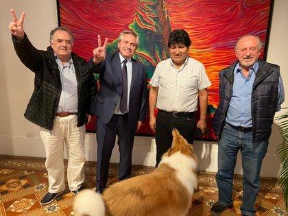 Eduardo Valdés, Alberto Fernández, Evo Morales y Hugo Yasky, luego de la cena en la Quinta de Olivos