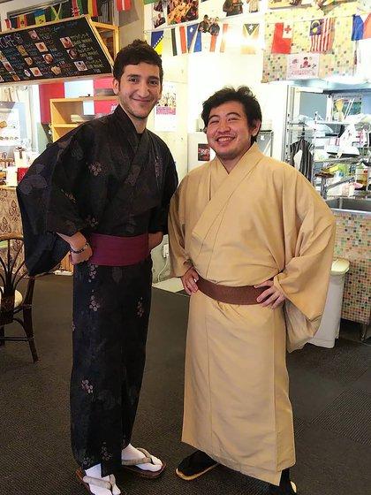 Con uno de los muchos amigos japoneses que hizo este año (@alan.sosa)