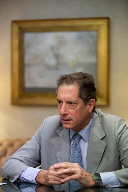 Sobre las espaldas del presidente del BCRA, Miguel Pesce, recae todo el peso del rescate de una economía en crisis