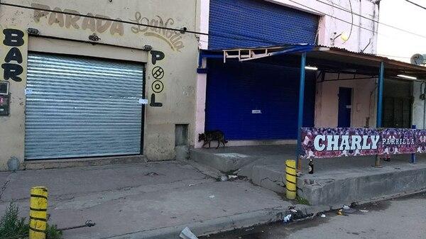 Frente del prostíbulo allanado por la Policía