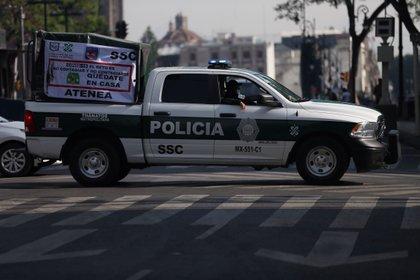 Ambos expertos mencionados comentaron que la falta de coordinación que se está viendo entre autoridades federales, estatales y locales está favoreciendo el desorden y al alza de la criminalidad. (Foto: EFE/Sanshenka Gutierrez)