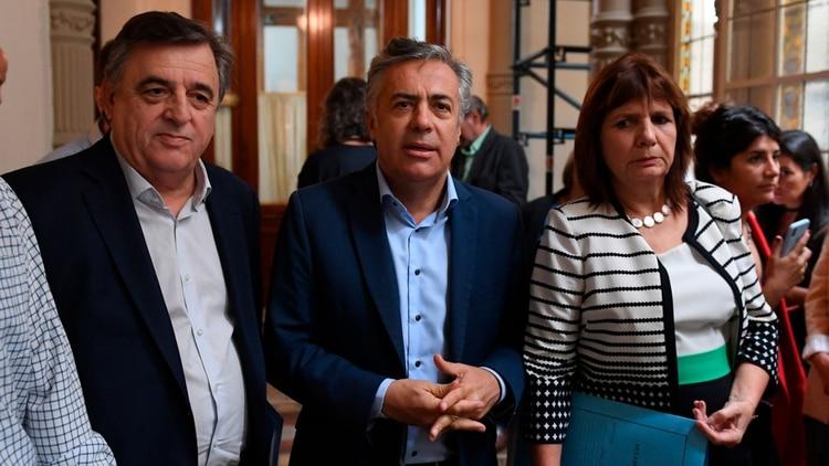 Mario Negri, Alfredo Cornejo y Patricia Bullrich, referentes opositores (Foto: Maximiliano Luna)