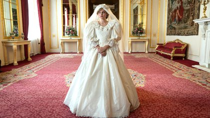 """Lady Di ( Emma Corrin) es una escena de """"The Crown"""""""
