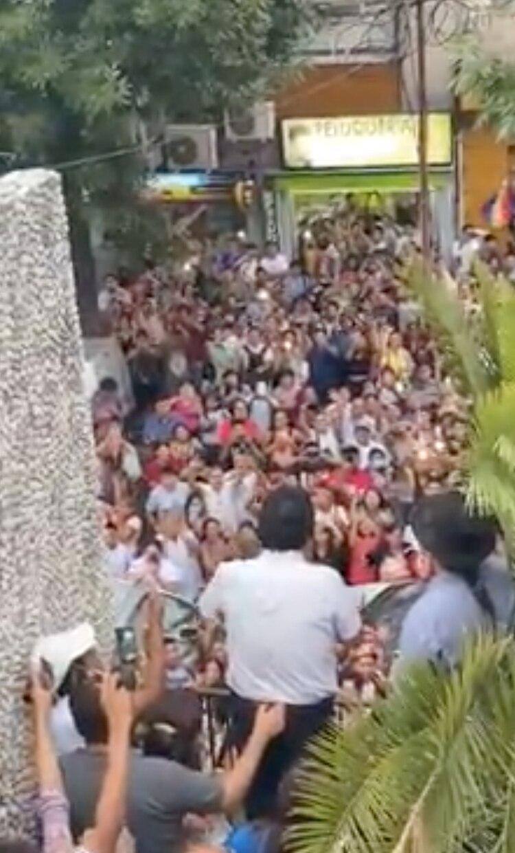 Evo Morales en su primera aparición pública en Liniers