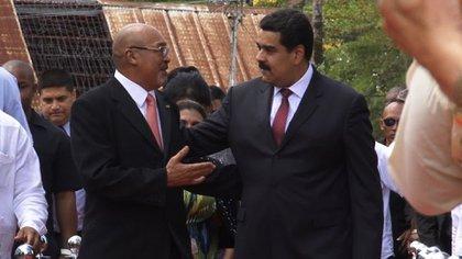Desi Bouterse con Nicolás Maduro