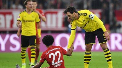 Bayern Múnich y Borussia Dortmund, junto con el RB Leipzig y el Bayer Leverkusen, donarán 20 millones de euros a la DFL (Reuters)