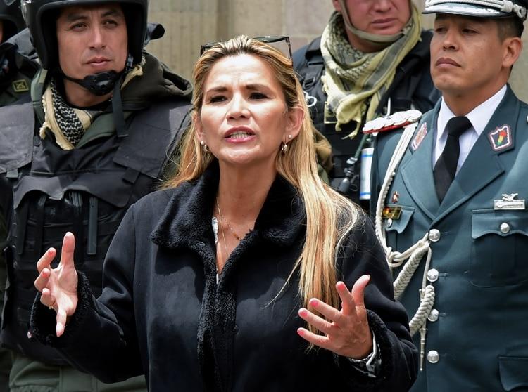 Jeanine Áñez, presidenta interina de Bolivia. (Photo by AIZAR RALDES / AFP)