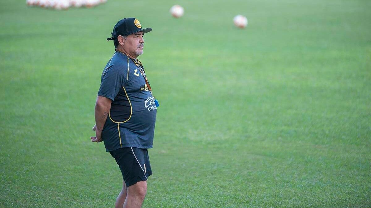 El Entrenador Al Que Despidio Dorados Para Contratar A Maradona