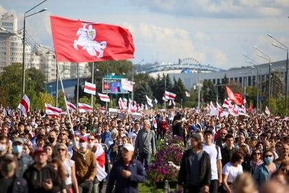 Masiva protesta del domingo, por quinto fin de semana consecutivo (Reuters)