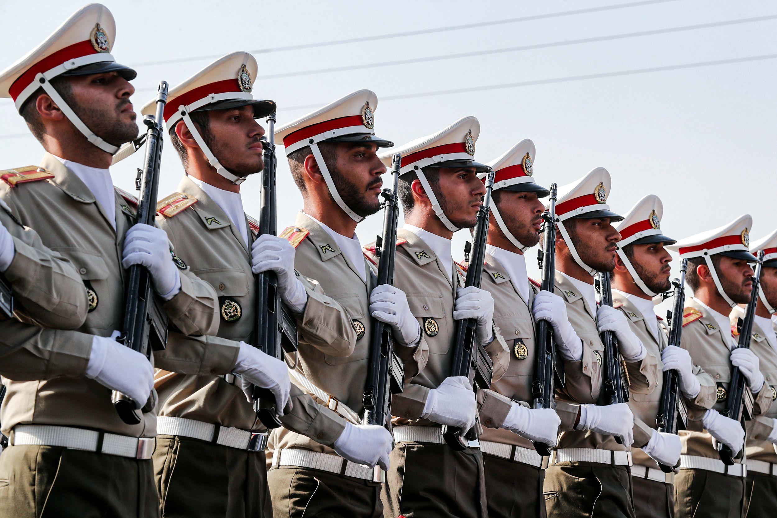 El desfile militar en Teherán conmemoraba el 39° aniversario del inicio de una guerra de ocho años con Irak iniciada cuando Saddam Hussein invadió Irán en 1980