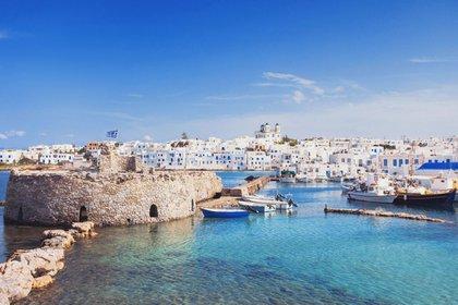 Las Islas Cícladas, Grecia, un paraíso que combina arquitectura y playas de agua cristalina (iStock)