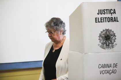 El domingo 29 se realizará una segunda vuelta en las 95 ciudades que cuentan con más de 200.000 electores, siempre que ningún candidato supere el 50% de los votos (EFE/Federico Anfitti/Archivo)