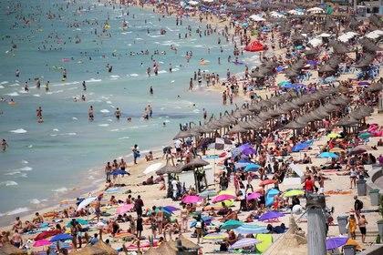 """La app servirá de mapa colaborativo, o """"Waze de la playa"""" para compartir datos, por ejemplo, si hay mucha gente o está sucia (REUTERS/Enrique Calvo/File Photo)"""