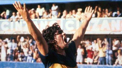 Maradona a Boca, en 1981: pago del pase en dólares