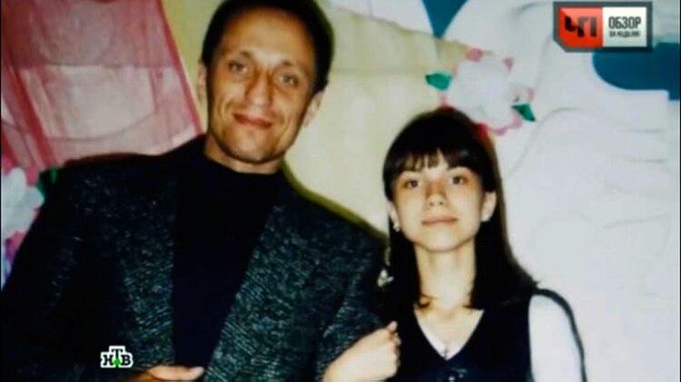 Popkov junto con su hija Ekaterina, que durante largo tiempo se negaba a creer las escalofriantes acusaciones
