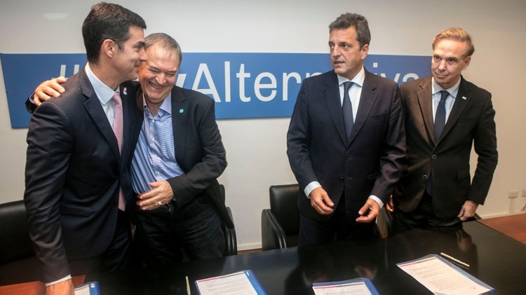 Los cuatro dirigentes decidieron excluir a Lavagna de la cumbre