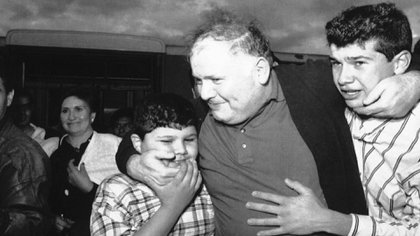Humberto Álvarez Machain es un médico que fue acusado de drogar a Enrique Camarena para que resistiera los interrogatorios de sus captores y asesinos. (Foto: Archivo/AP)